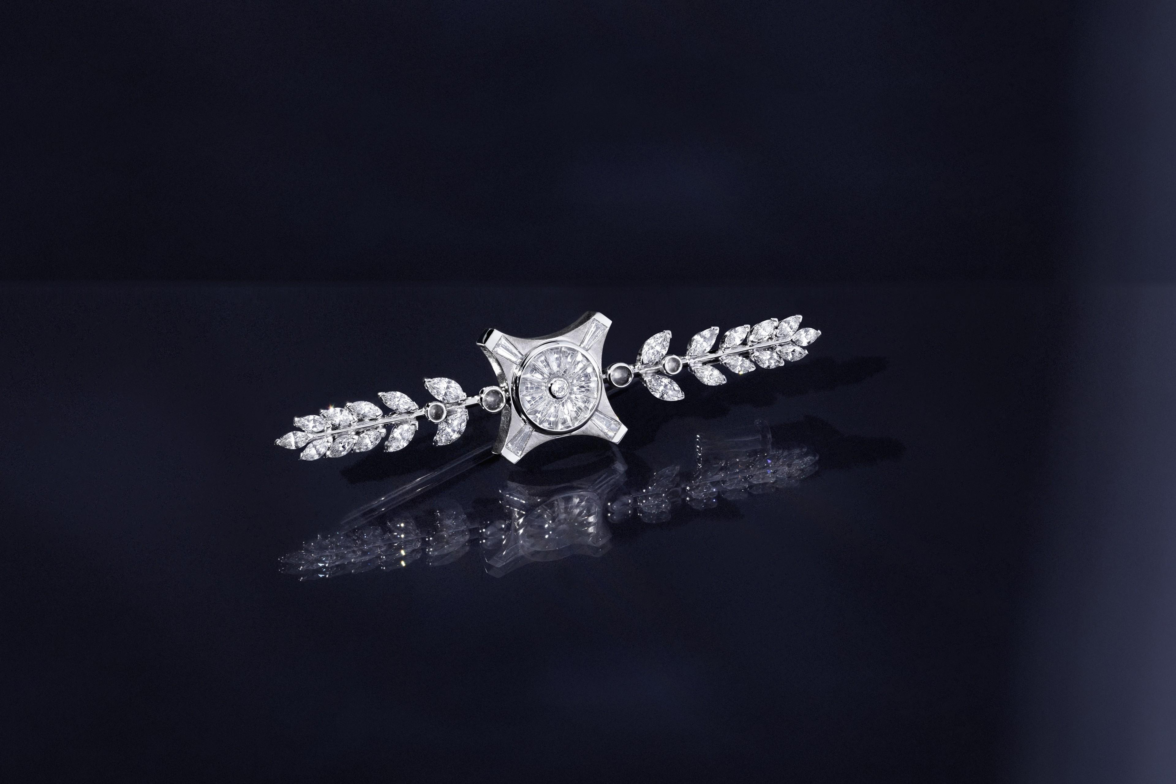 La Coupole - Broche - Or Blanc, Cristal de Roche et Diamants - Irène - Paris Le Grand Palais - Haute Joaillerie - Architecture - Scénographie